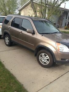 Honda CR-V/2004 excellent running suv