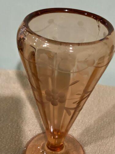VINTAGE PINK DEPRESSION GLASS VASE / ETCHED FLORALS / EDGING / ART DECO-COTTAGE