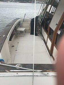 Bayliner 45' 4588 Motoryacht , 1100 original hours , Diesels