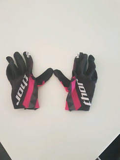 Wanted: Womens thor motorbike gloves size S