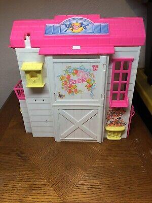 "VINTAGE 1995 Barbie ""Feeding Fun Stable"" by Mattel + ACCESORIES"