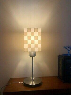 Lámparas de cuadrados color BLANCA. Mesitas, escritorios ,Sobremesa.