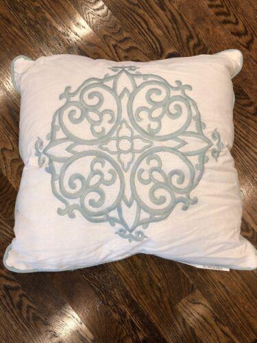 Madison Park Throw pillow White Green Embroidery NEW Medalli