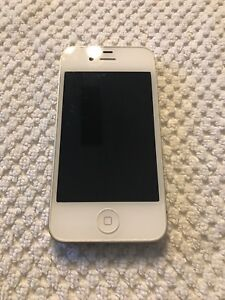 iPhone 4S 16gb White, comes with game boy case