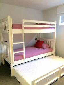 WHITE SOLID TIMBER BUNKS WITH TRUNDLE. INC MATTRESSES & LINEN Scoresby Knox Area Preview