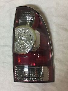 Toyota Tacoma Passenger Side Replacement Tail Light