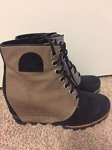 Sorel Size 9 Wedge Boots