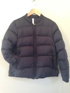 Lululemon Weightless Wunder Jacket Black size 8