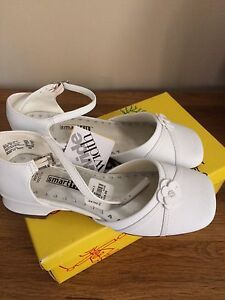 Shoes size 2W big girl