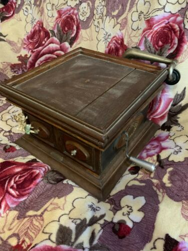 "RARE VINTAGE Gramophone 1912 release""Cabinet box"""