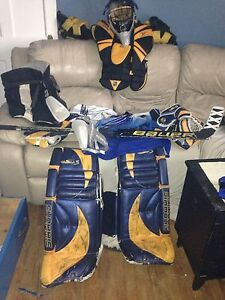 Full ice hockey goalie equipment!