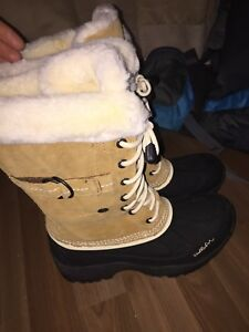 Windriver winter boots 6 1/2