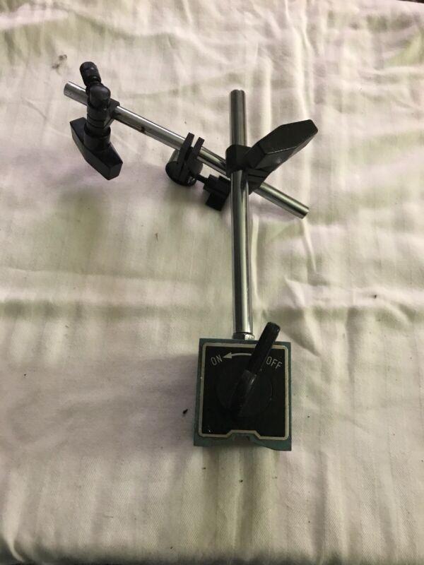 gage magnetic base holder