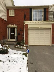 Beautiful 3 bedroom condo near Wellington and Commissioners
