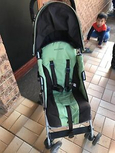 MacLaren pram  / stroller Bow Bowing Campbelltown Area Preview