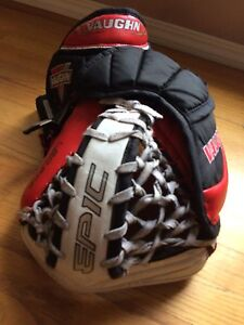 SALE TODAY ONLY! VAUGHN EPIC PRO 8800 goal glove
