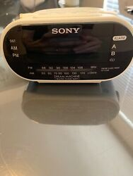 Sony Dream Machine ICF-C318 Automatic Time Set Clock Radio with Dual Alarms