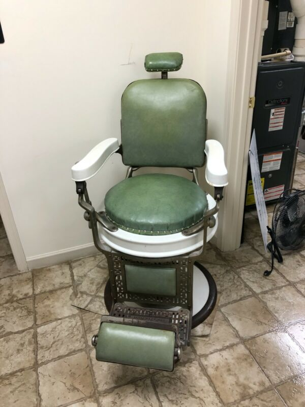 Theo A Kochs Vintage Retro Green Leather Barber Chair - GREAT working condition