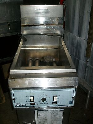 Pitco Floor Model Gas Fryer Solid State Unitbasketsss Unit 900 Items O E Bay