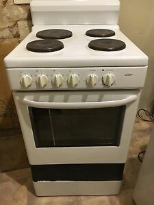 Chef oven freestanding white cooktop Minto Campbelltown Area Preview