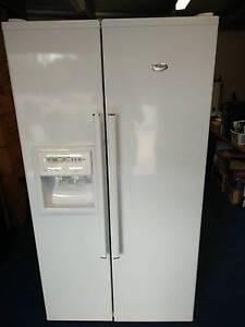 Whirlpool French Door Fridge/Freezer. Water & Ice Dispenser Bendigo Bendigo City Preview