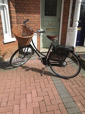 "Pashley Princess Sovereign 5 Speed ladies Bike 22"" frame, Black . Unmarked."