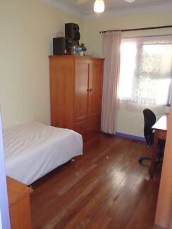 Two single rooms - Mount Hawthorn