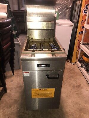 Patriot 35 - 40 Lb. Natural Gas Fryer With Stainless Steel Pot 15-12w