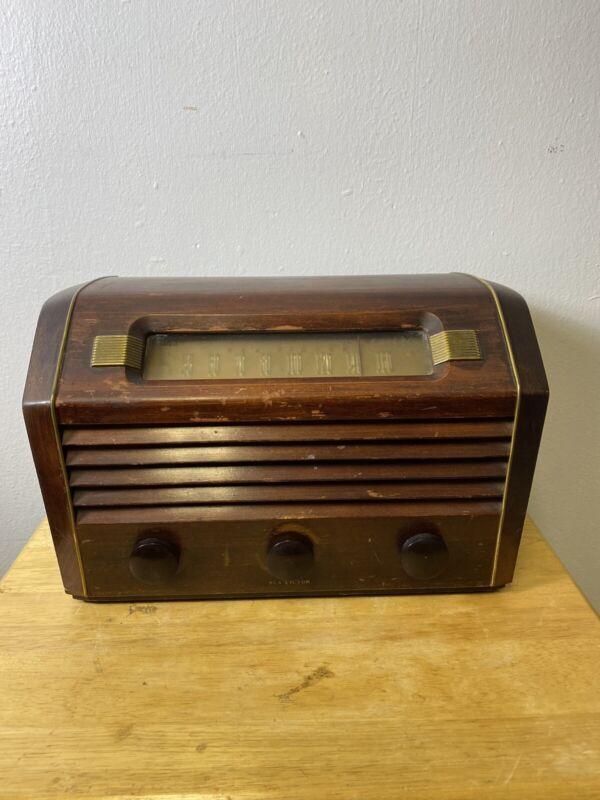 Vintage RCA 66X13 TABLETOP Radio