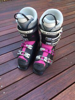Ladies Salomon Ski Boots UK 6