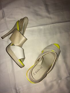 Yellow high heels, good condition size 8