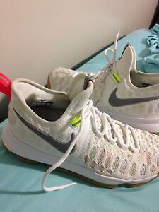 Kd 9 never worn size 8
