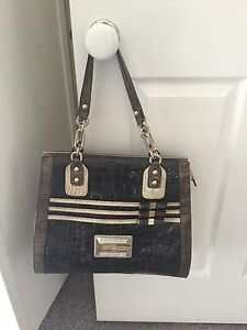 Guess Genuine Bags $30 each Birkdale Redland Area Preview