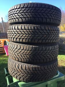 p215/65/16 inch Goodyear Winter Tires / LOTS OF TREAD