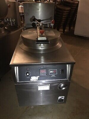 Bki Commercial Pressure Fryer Fkm-f 208v 3p Chicken Fryer