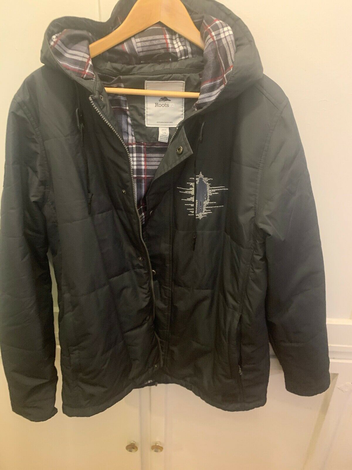 ROOTS 73 TV SHOW PERSON IF INTEREST CREW HOODED COAT MENS L GRAY PLAID LINING - $59.99