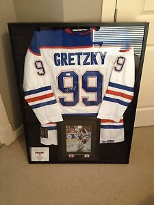 Wayne Gretzky signed jersey, photo and puck