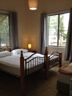 Couple Room in Backpacker Share House with unlimited WiFi