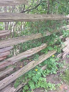 Wood fence (old driftwood style)