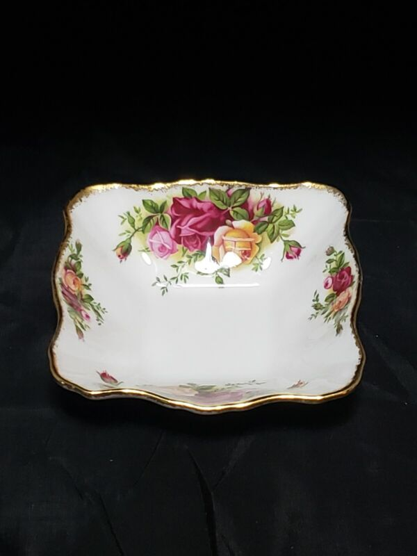 Royal Albert Candy Dish old country roses 4 1/2 inches.