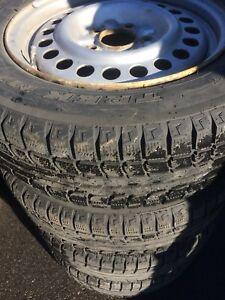 Pneus d'hiver jantes 195 65 r15 winter tires rims honda civic