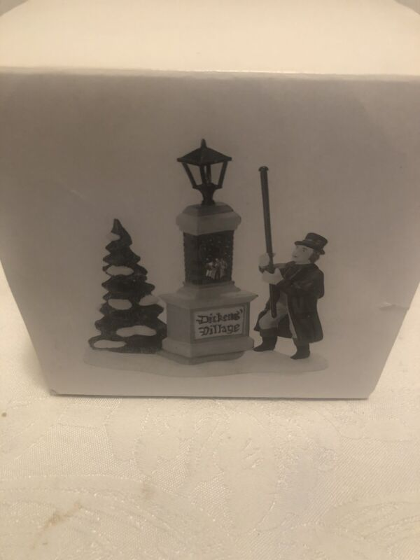 NIB-Dept 56 Dickens Village Sign - Ye Olde Lamplighter #58393 Gas Lamp With Box