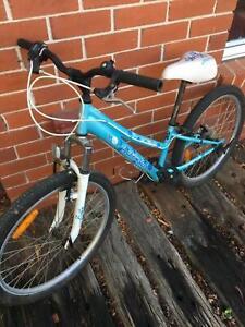 Girls bike Malvern star
