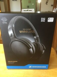 Sennheiser HD 4.40 BT headphones