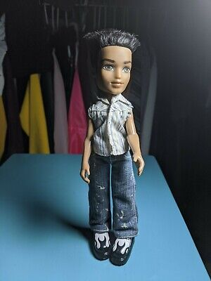 Bratz Boyz 1st Edition Dylan doll with his clothes and shoes