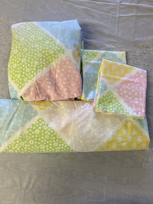 Vintage Set Of Full-size Sheets Yellow and Green Pink