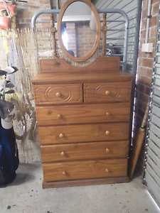 AMAZING DRESSING TABLE(NEGOTIABLE) Tuncurry Great Lakes Area Preview