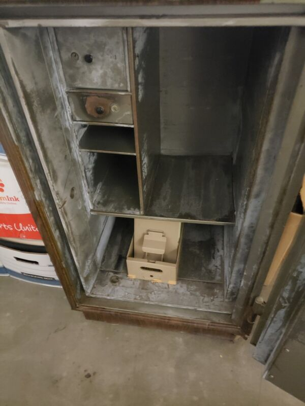 The Mosler Safe Company WORKING, Combination, Security Safe With Combo