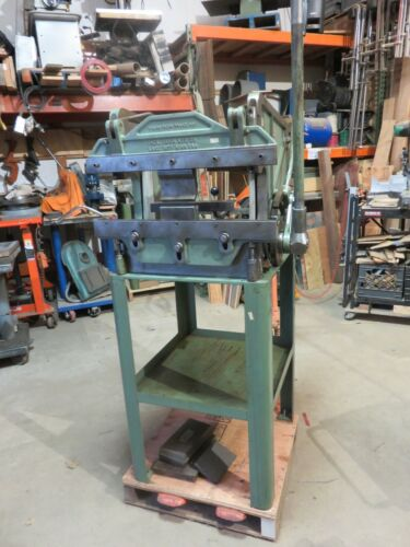 "Diacro Press brake 24"" x 16 Gauge. factory stand Press brake Di acro Brake"