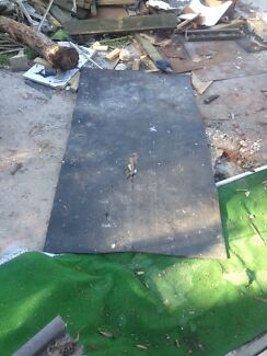 Rubbed mat for workshop or home gym Birmingham Gardens Newcastle Area Preview